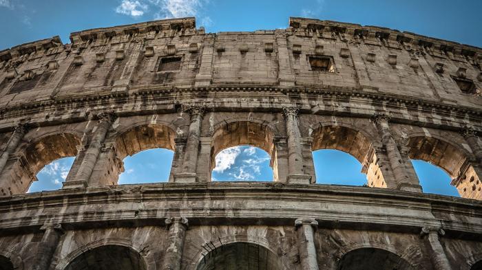 羅馬 68行李存放處可用